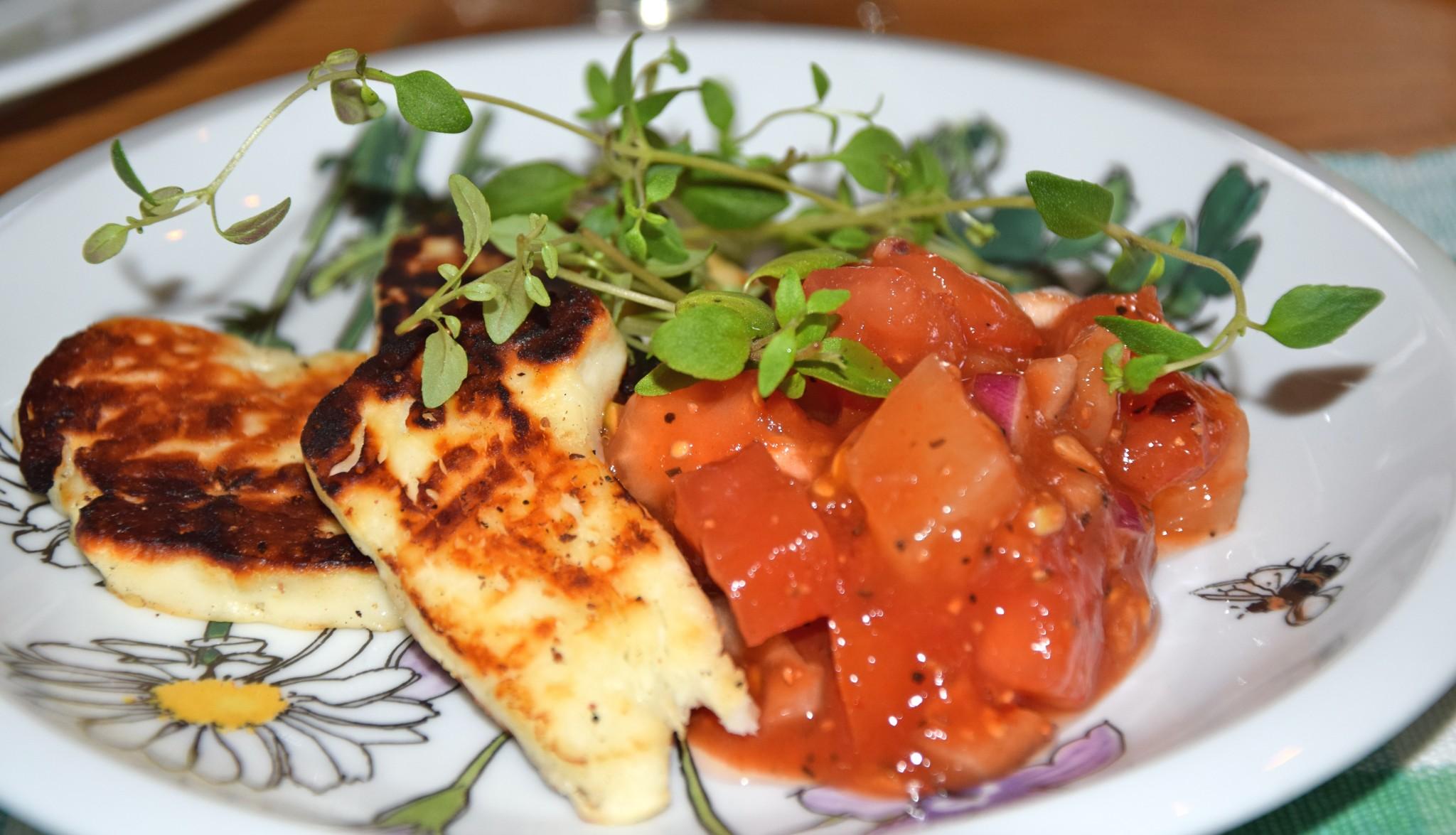 Halloumi med salsa
