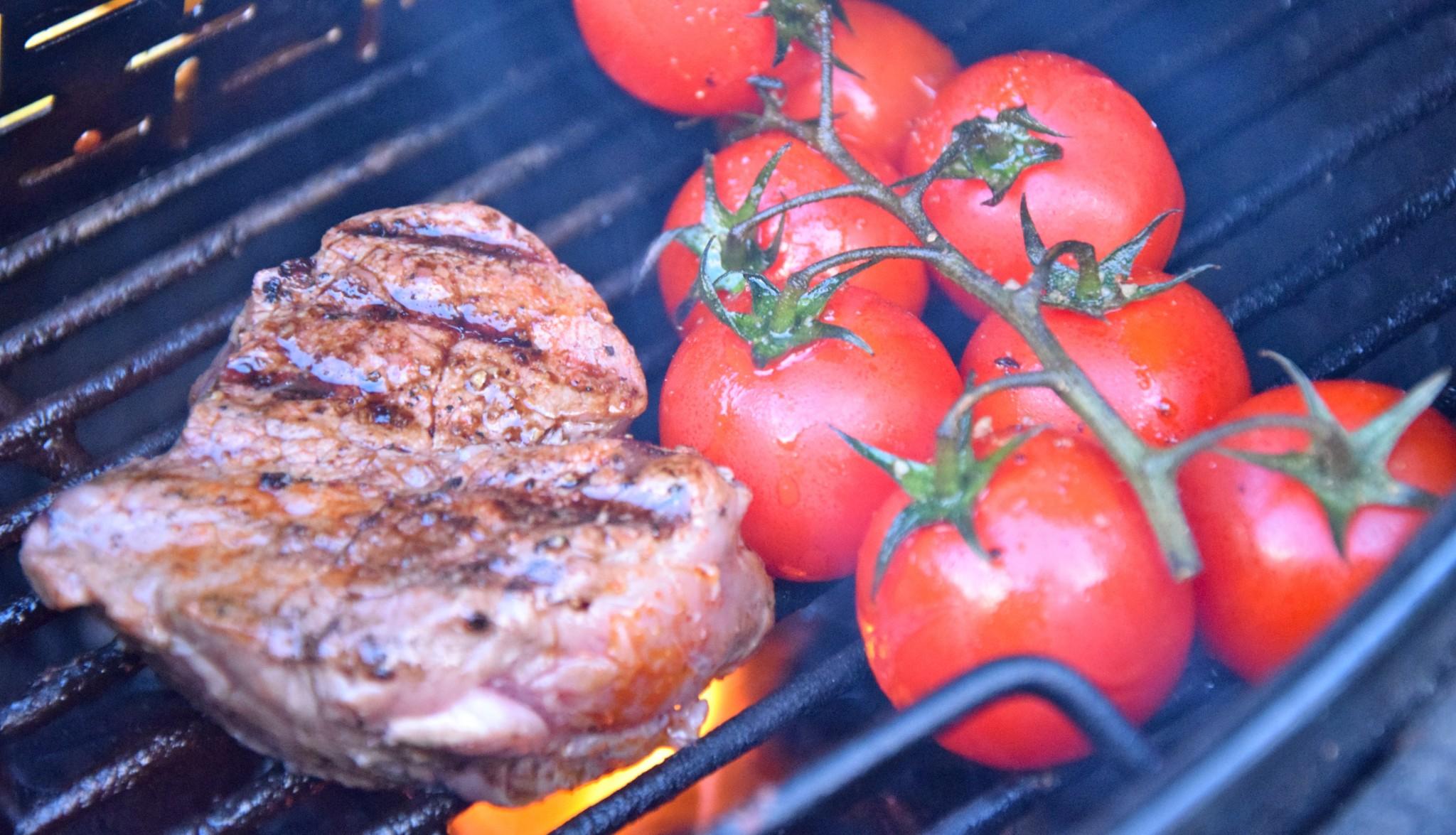 Oxfilé och tomater